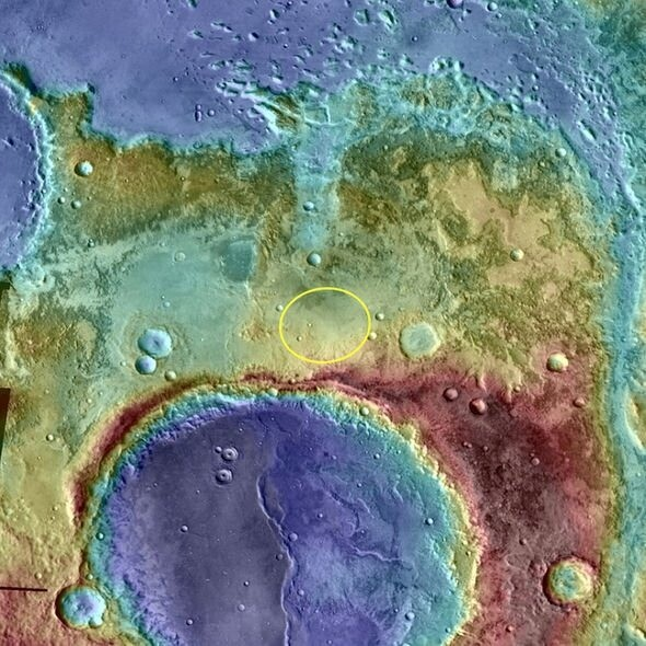 UFO sighting: NASA photo of bizarre B-shaped Mars base '100 percent proof of alien life' 2