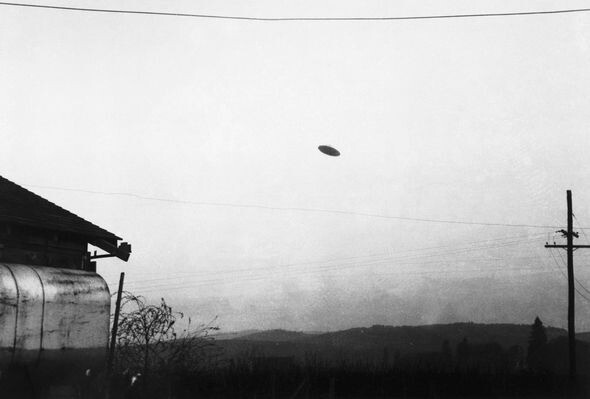 Aliens are US: UFO are piloted by time travelling human 'distant descendants' 5