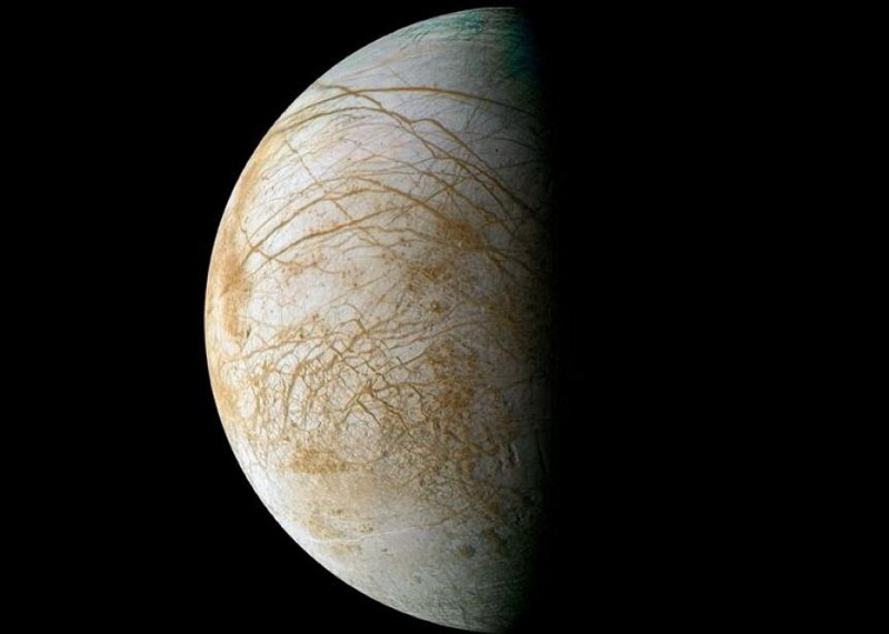 The Top 5 Weirdest Moons of the Solar System 2