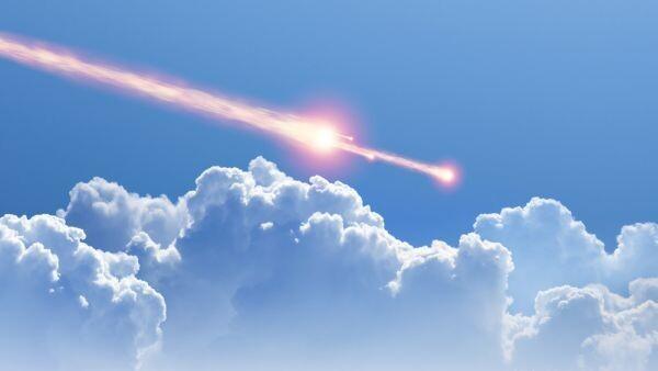 Rare daytime fireball meteor creates massive sonic boom over UK 1