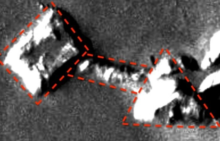 IT'S OFFICIAL:  Researcher claims to have discovered alien base, pyramid and tunnel on Mars 1