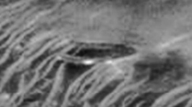 Conspiracy theorist claims this mysterious structure on Mars a secret ALIEN base 2