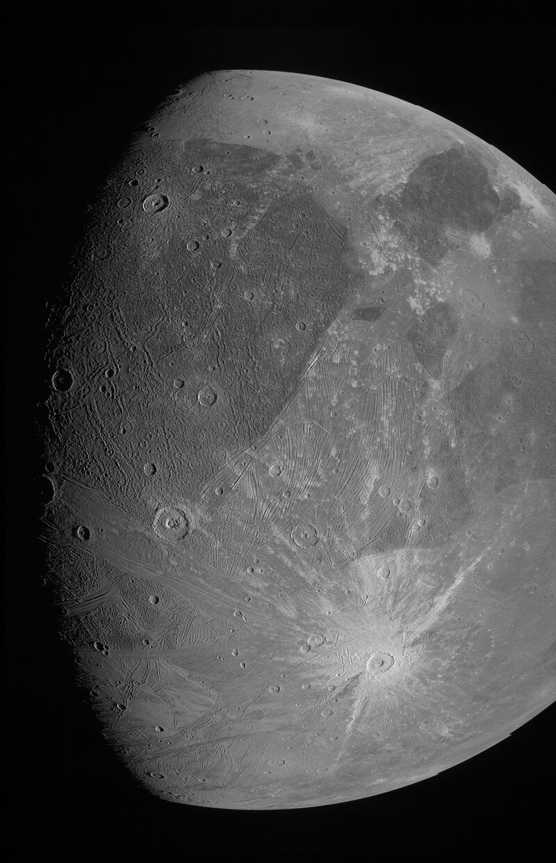 Feast your eyes on Ganymede, the largest moon in the solar system 1