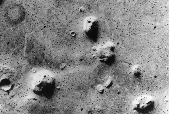 Life on Mars? UFO hunter is convinced NASA photo of 'alien face' proves aliens are real 2