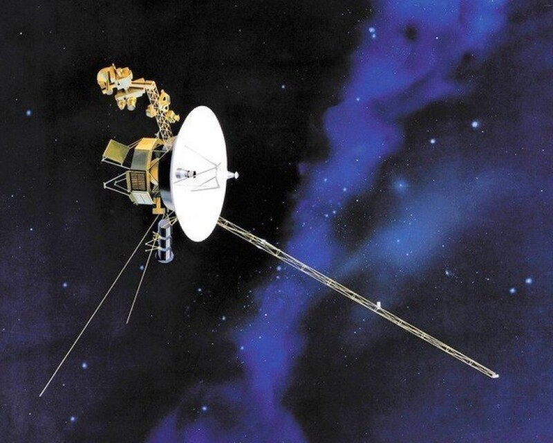 Traveling interstellar, the Voyager 1 spacecraft sent back to Earth strange sounds 1