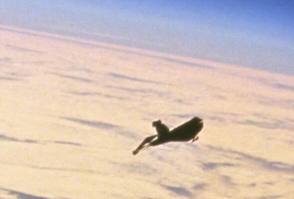 """""""Leaked footage"""" of mythical """"Black Knight"""" UFO hounding ISS emerges 1"""