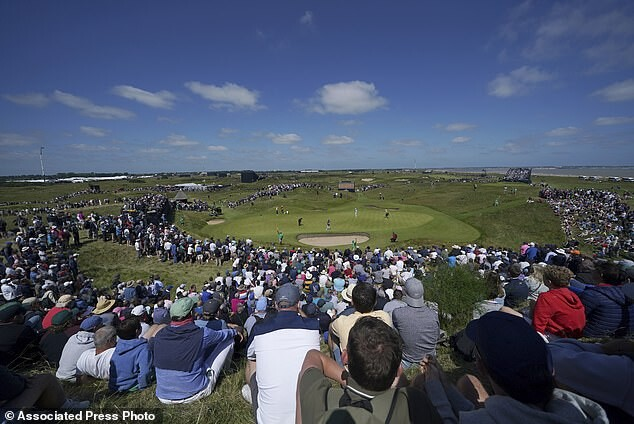 Trump lashes out at British Open who bypassed his Scottish golf course 4