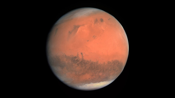 The Red Planet Travel Guide: What Being on Mars is Really Like 2