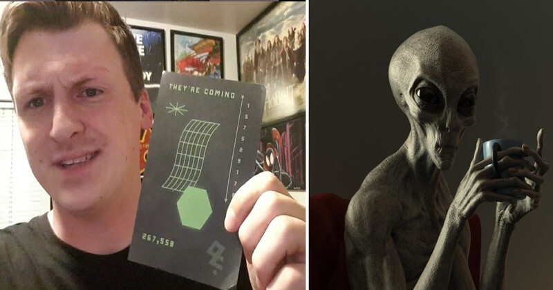 """""""They're coming"""" – тнσuรคหds of people received strange postcards with bizarre symbols and Roswell phone number 1"""