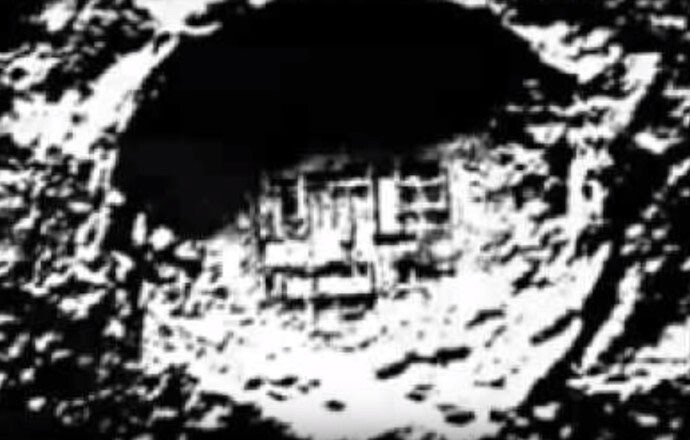 """UFO Researcher Reveals """"On the Moon there are Alien Industrial Bases and Complexes"""" 1"""