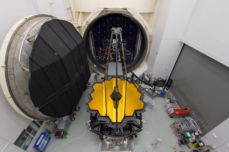 Here's how astronomers plan to send a giant-ass telescope to space 5