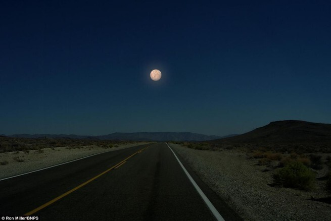 What the Night Sky Would Look Like If the Other Planets Were as Close as the Moon 3