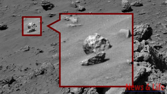 Alien Found On Mars: Is This The Ultimate Proof Mars Was Inhabited By Intelligent Beings In The Past! 3
