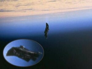 The legends and тгᴜтһѕ about the ᴍʏѕтᴇгɪᴏᴜѕ 13,000 year-old Black Knight Alien Satellite 2