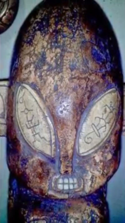 Ancient sculptures depicting alien-like figures have been found in a cave in Mexico 3