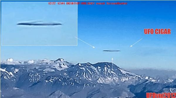 (VIDEO) A passenger on a flight over Santiago de Chile captures a huge Alien Ship 2