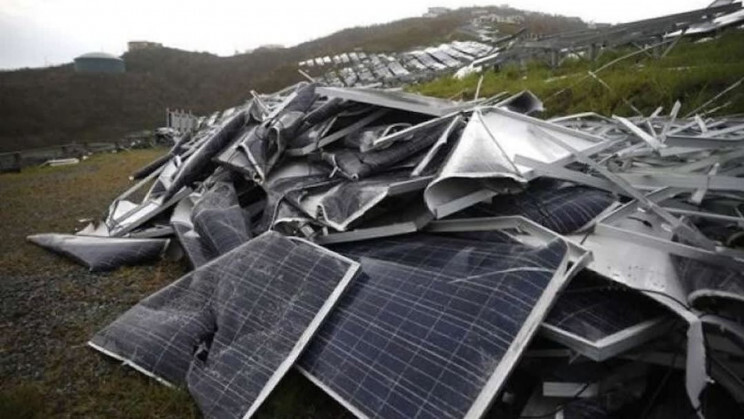 Paradox about renewable energy: Solar panels and their toxic waste 1