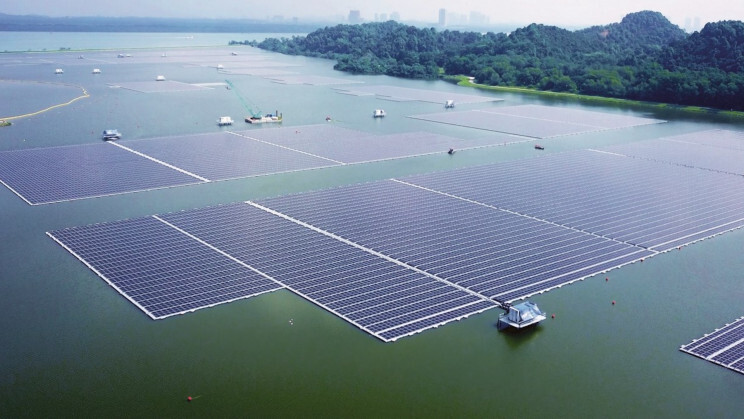 Paradox about renewable energy: Solar panels and their toxic waste 6