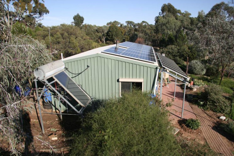 Paradox about renewable energy: Solar panels and their toxic waste 7
