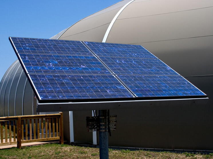 Paradox about renewable energy: Solar panels and their toxic waste 11