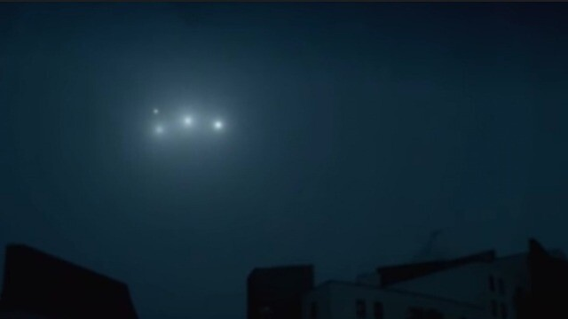 UFO sighting: A White UFO Orbs Flying In Formation In The Best Footage 3