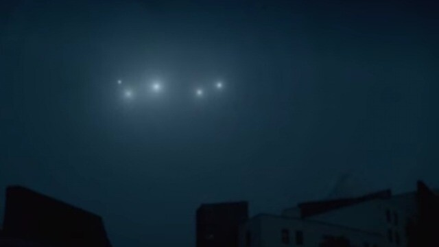 UFO sighting: A White UFO Orbs Flying In Formation In The Best Footage 1