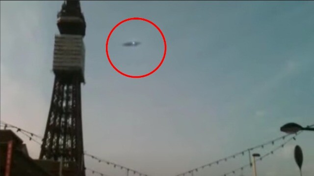 UFO sighting: A White UFO Orbs Flying In Formation In The Best Footage 2