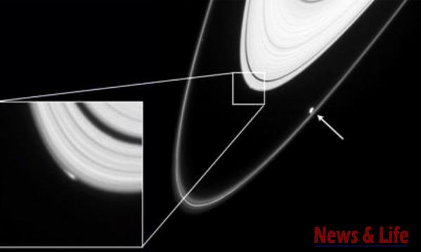 NASA claims: We saw Alien spaceships in Saturn's rings 2