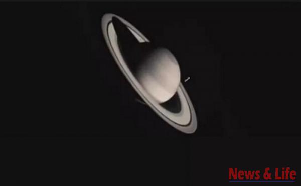 NASA claims: We saw Alien spaceships in Saturn's rings 3